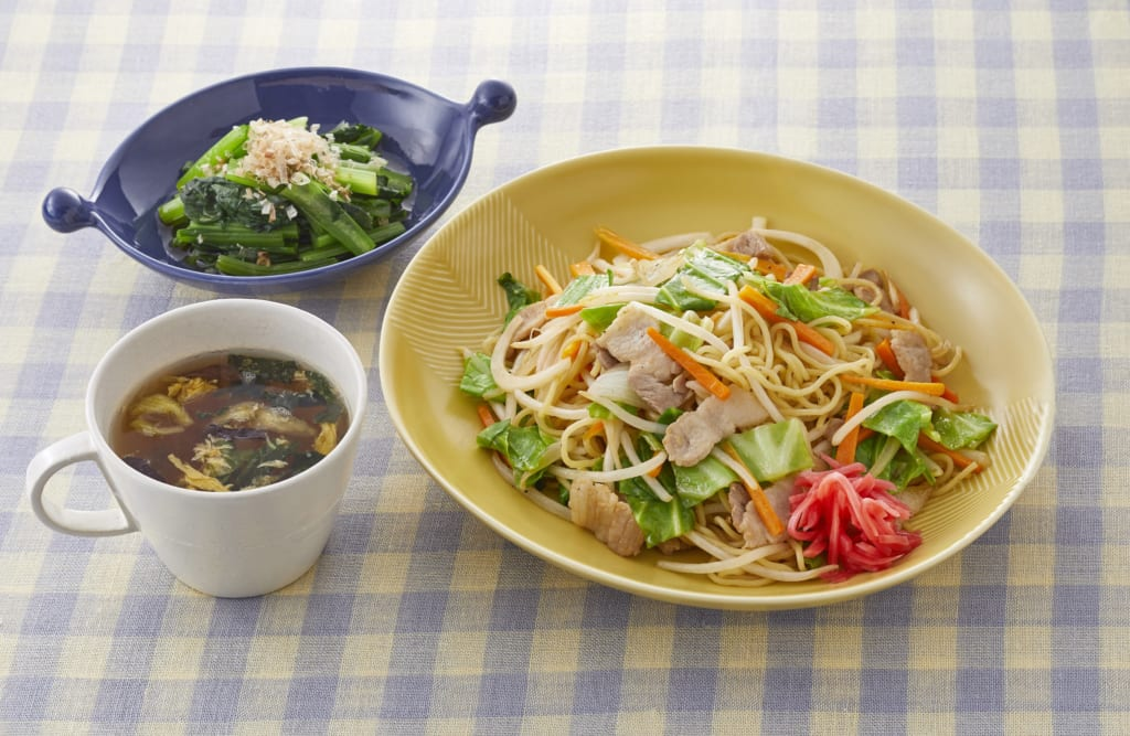 【昼食】豚肉と野菜のソース焼きそば献立