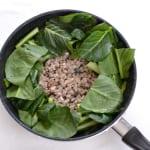 小松菜とひき肉のガーリック炒めの作り方_3_0