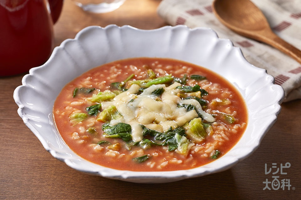 たっぷり野菜とチーズのトマトリゾット風(ご飯+溶けるチーズを使ったレシピ)
