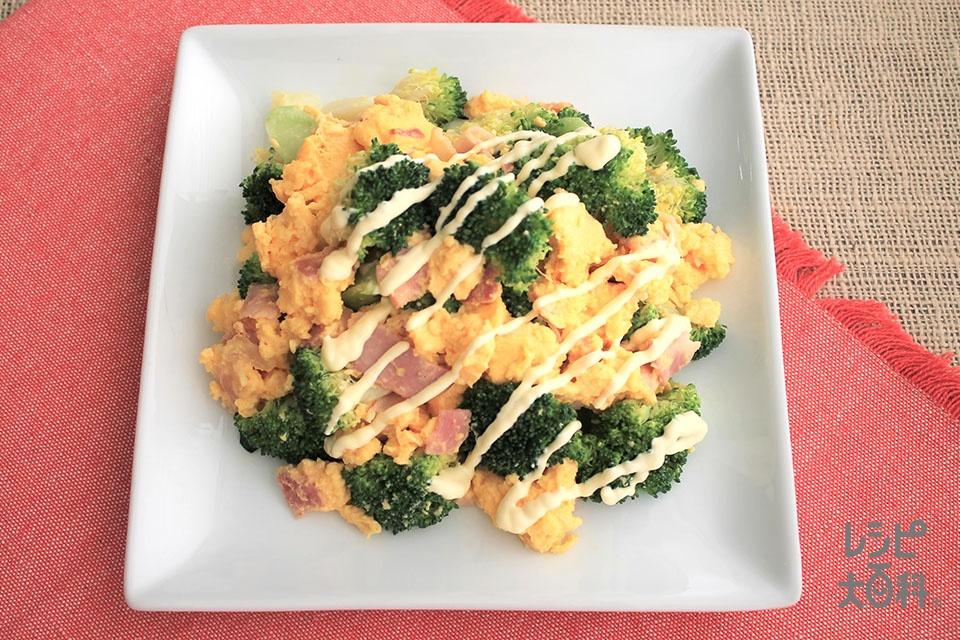 ブロッコリーのマヨ玉炒め(ブロッコリー+ベーコンスライスを使ったレシピ)