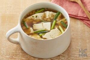 豆腐とねぎのオニオンコンソメ