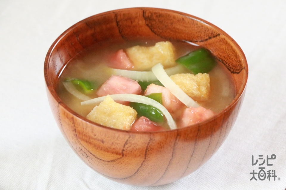 ピーマン・トマト・玉ねぎのみそ汁(トマト+玉ねぎを使ったレシピ)