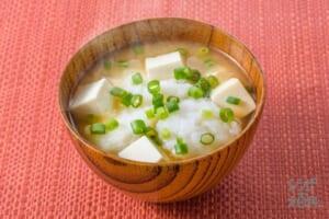 長芋と豆腐のみそ汁