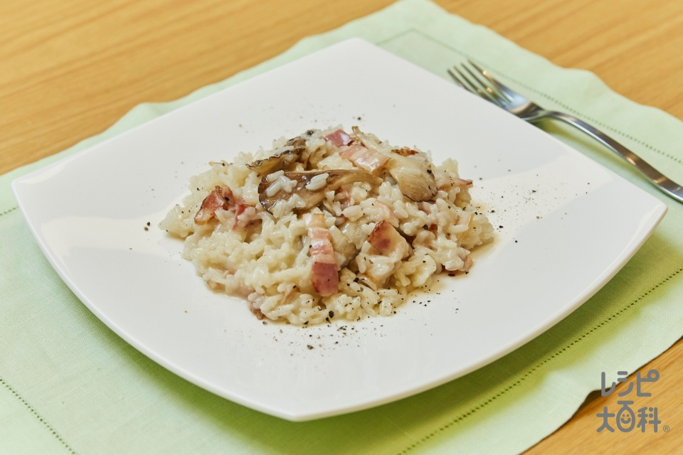 うまいたけリゾット(ご飯+ベーコンを使ったレシピ)