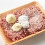 豚ひき肉かたまり焼きの作り方_0_1