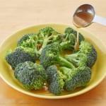 ブロッコリーのレンジ温野菜♪バーニャカウダ味の作り方_1_0
