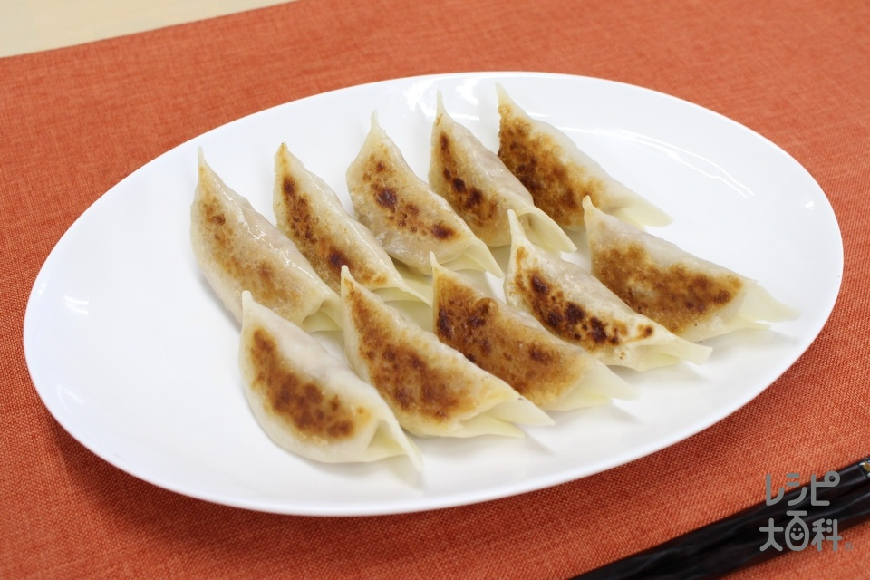 甘辛しょうゆ味の和風焼き餃子(豚ひき肉+餃子の皮を使ったレシピ)