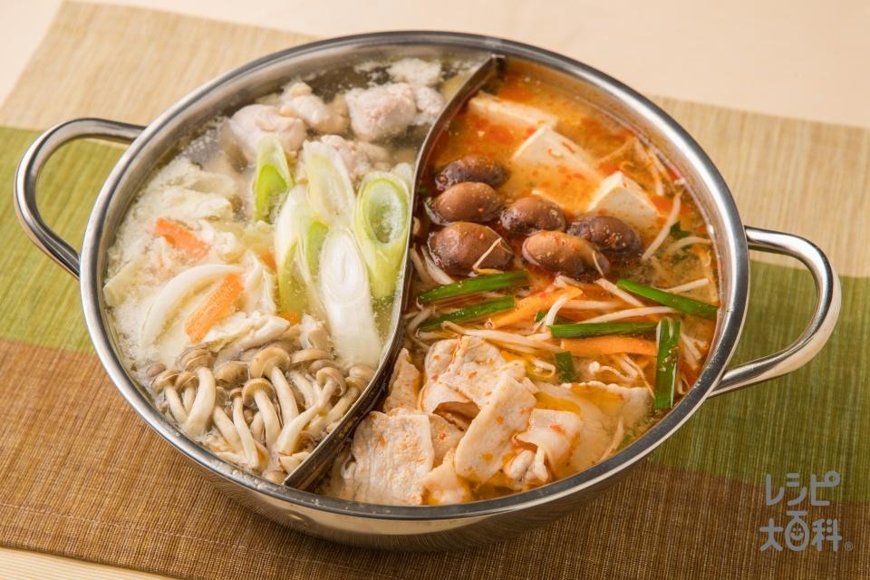 紅白どっち派?紅白火鍋(豚バラ薄切り肉+袋入りカット野菜(にらもやしミックス)を使ったレシピ)