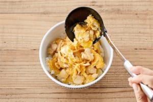 とろ~り卵に仕上げる!基本の親子丼の作り方_2_0