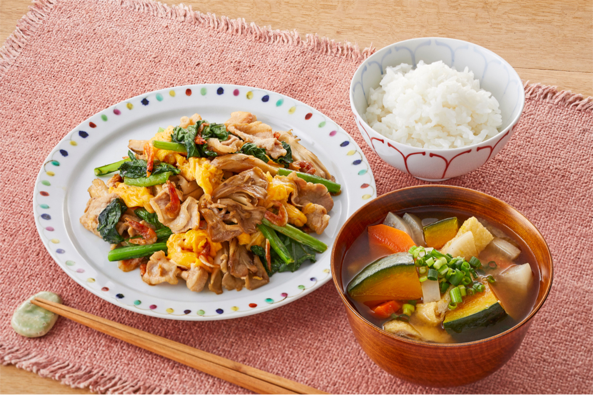 豚肉と小松菜のオイマヨ炒め献立