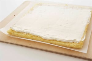 いちごのヨーグルトロールケーキの作り方_10_1