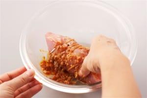 豚肉のレンジチャーシュー巻きの作り方_0_2