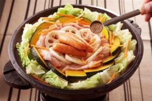 れんこんとかぼちゃ・鶏肉のだし蒸し鍋の作り方_3_1