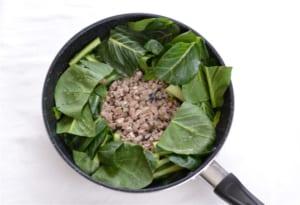 小松菜とひき肉のガーリック炒めの作り方_3_1