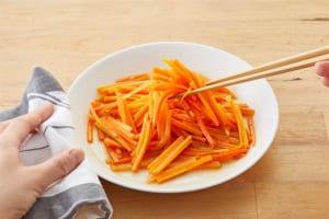 にんじんのレンジ温野菜♪黒酢味の作り方_2_0