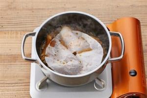 ゆで卵と鶏手羽元の甘辛煮の作り方_0_2
