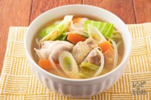 炒め野菜と鶏肉のみそ汁