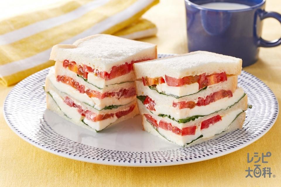 カプレーゼ風ミルフィーユサンド(食パン10枚切り+ミニトマトを使ったレシピ)
