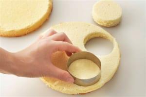 いちごサンタのケーキの作り方_0_0