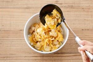 とろ~り卵に仕上げる!基本の親子丼の作り方_2_1