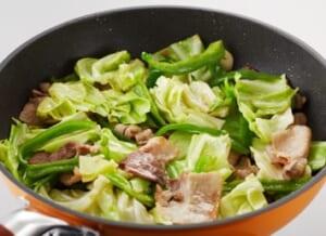 豚肉とキャベツの炒めカレーの作り方_1_0