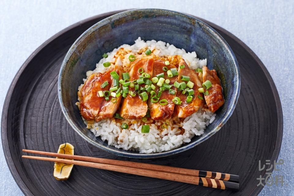 ジューシー!スタミナ豚丼~にんにく醤油味~(豚ロースとんかつ用肉+ご飯を使ったレシピ)