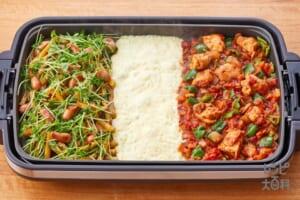 青椒風ポテソーセージ × 鶏肉のトマト煮込み