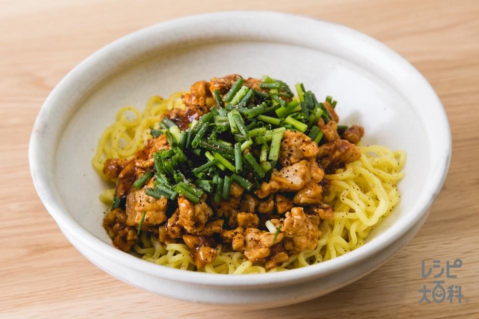 粗挽きひき肉でつくる麻婆冷やし麺(中華生めん+豚ロース肉(脂身つき)を使ったレシピ)