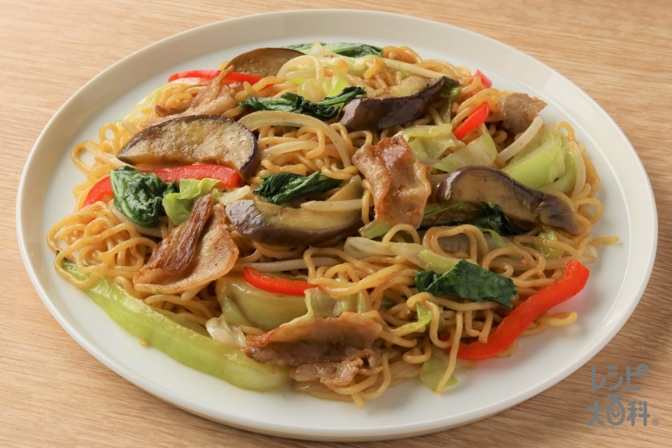 野菜しっかり!上海風焼きそば(中華蒸しめん+豚バラ薄切り肉を使ったレシピ)