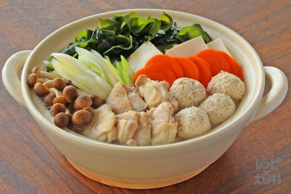 わかめちょい足し!鶏だし・うま塩鍋(鶏もも肉+鶏ひき肉を使ったレシピ)