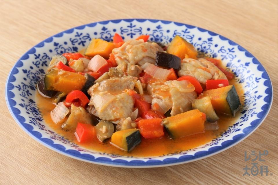チキンと野菜のラタトゥイユ(鶏もも肉+トマトを使ったレシピ)