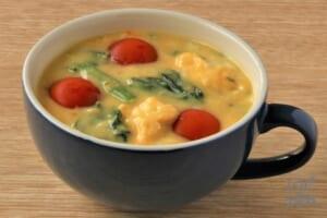 たまごとほうれん草のコーンクリームスープ