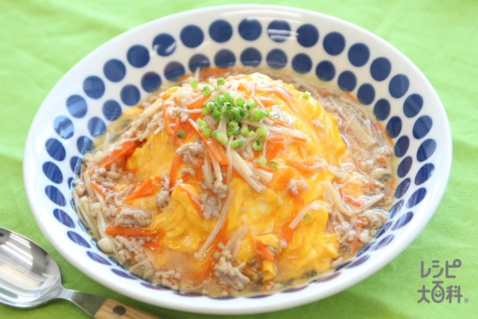 とろ玉彩りあんかけ丼(卵+温かいご飯を使ったレシピ)