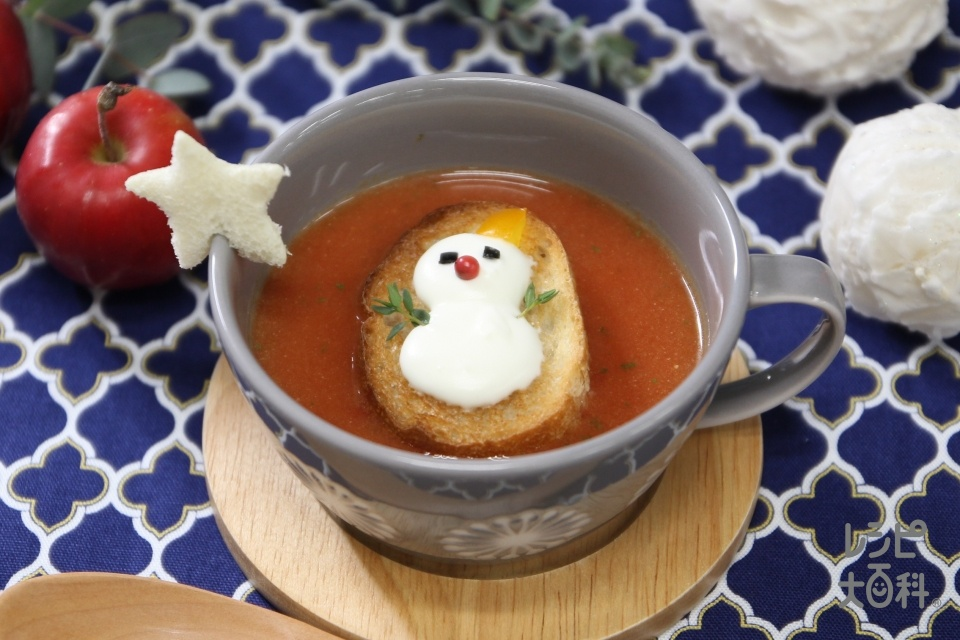 トマトスープ クリスマスアレンジ(バゲット+生クリームを使ったレシピ)