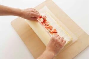 いちごのヨーグルトロールケーキの作り方_11_2