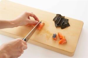 甘塩鮭のこんぶ巻きの作り方_1_1