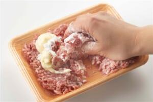 豚ひき肉かたまり焼きの作り方_0_2