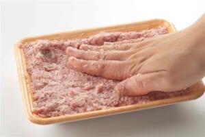 豚ひき肉かたまり焼きの作り方_0_3