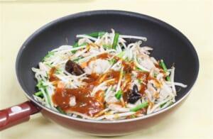 カット野菜で作る豚肉ともやしの香味炒めの作り方_2_1