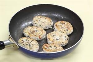 ひじき煮入り豆腐ハンバーグの作り方_2_1