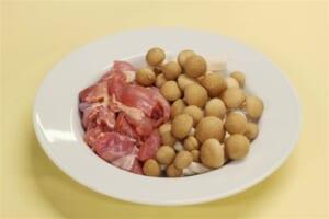 たっぷり野菜と鶏もも肉のミルクスープの作り方_0_1