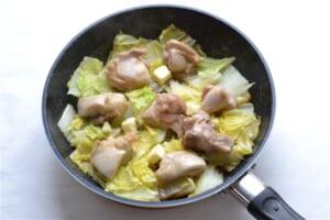 鶏肉の香りバター蒸し白菜添えの作り方_3_1