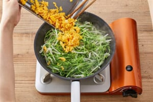 豆苗ともやしのふわとろ卵炒めの作り方_2_0
