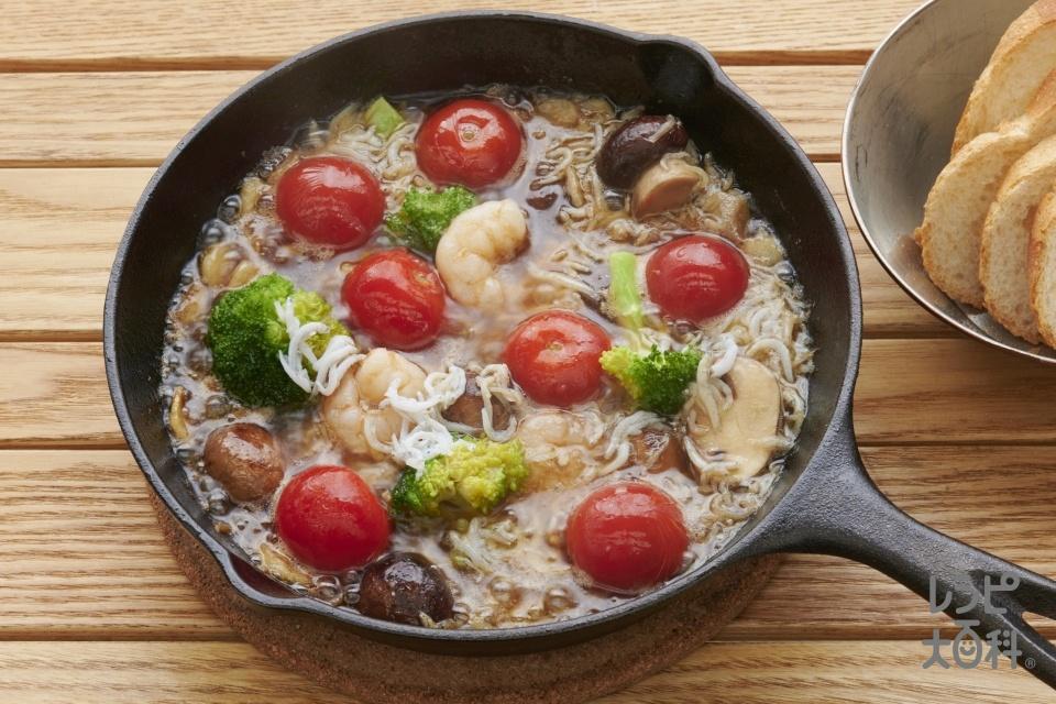 しらすとブロッコリーの鶏がらヒージョ(しらす干し+ブロッコリーを使ったレシピ)