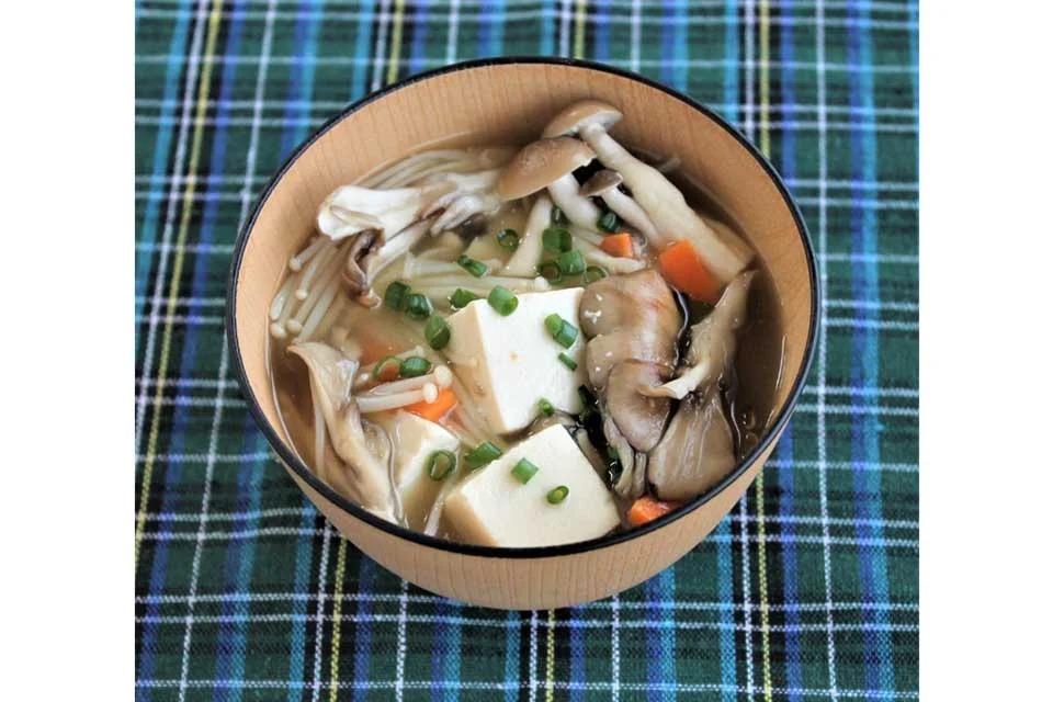3種のきのこと豆腐の減塩みそ汁
