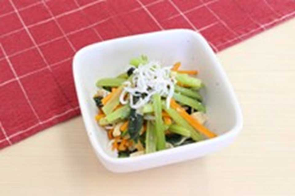小松菜としらすの丸鶏ナムル