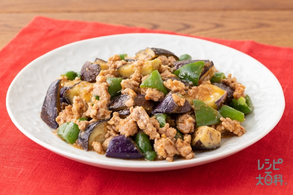 茄子とピーマンのピリ辛肉みそ炒め(豚ひき肉+なすを使ったレシピ)