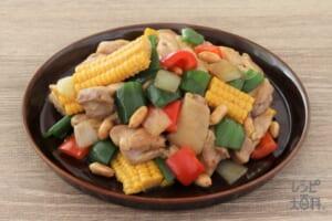 鶏とトウモロコシのピーナッツ炒め