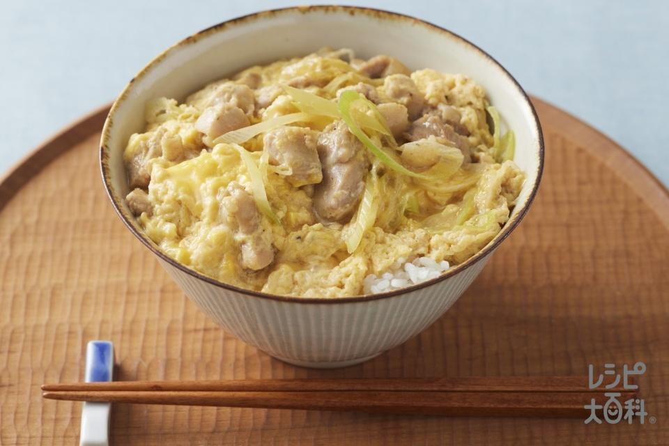 親子丼 あごだし醤油風味(鶏もも肉+ご飯を使ったレシピ)