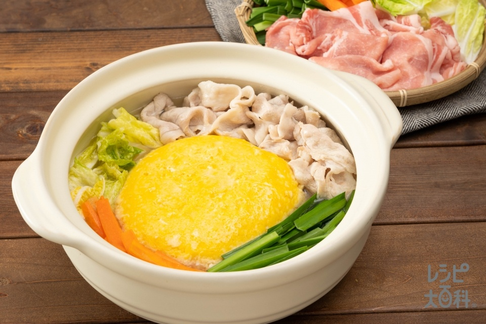 ふわふわ!たま卵うま塩鍋(豚ロース肉(脂身つき)+卵を使ったレシピ)